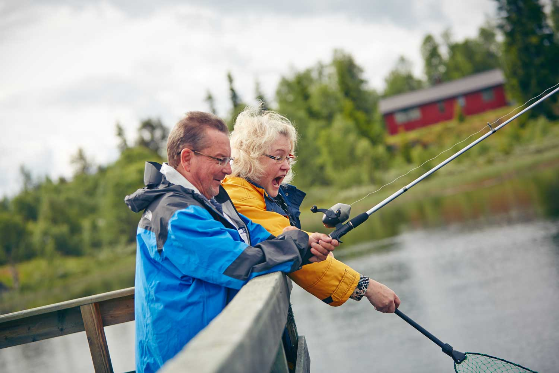 Fisking, frlluftsliv, båtaktiviteter, fluefiske, Gol, Golsfjellet, Hemsedal, Valdres, Hallingdal. Foto: Cathrine Dokken, Storefjell