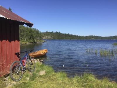 Sykkel ved Stogofjorden. Tisleidalen rundt. Golsfjellet, Hallingdal, Valdres. Foto: Thorgeir Røer